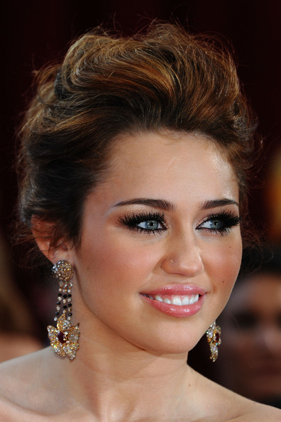 view miley cyrus hairstyles - latest