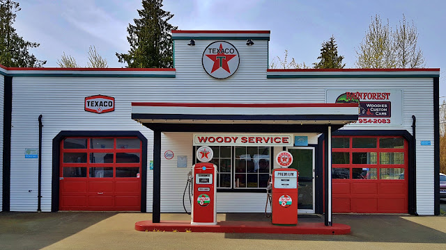A Texaco gas station circa 1965...