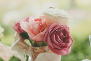 Un arrangement de roses