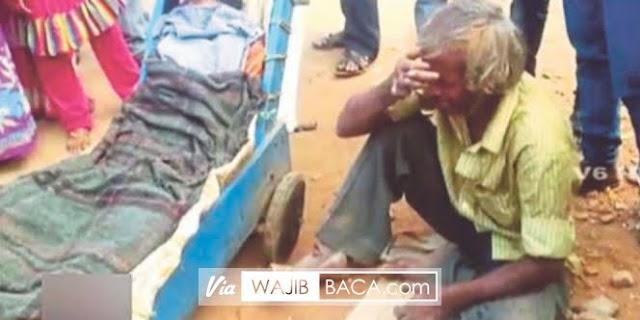 Tidak Memiliki Uang Untuk Sewa Ambulans, Pemulung Ini Dorong Jasad Istri Dengan Gerobak Sejauh 80 KM