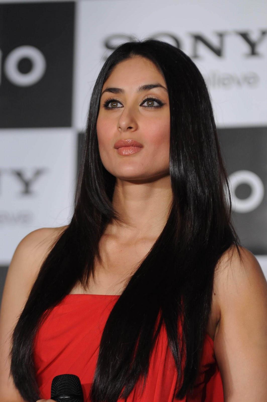 Bollywood Sizzling Zero size Actress Kareena Kapoor Cute ...