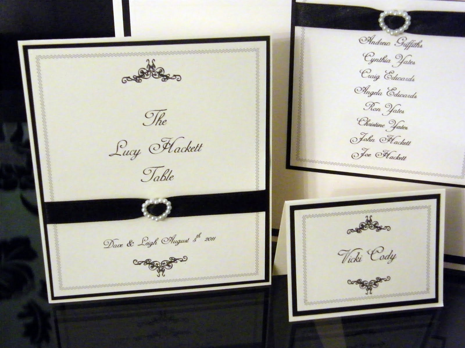 Paperlicious oasis wedding table plan menus place cards for Place card for wedding
