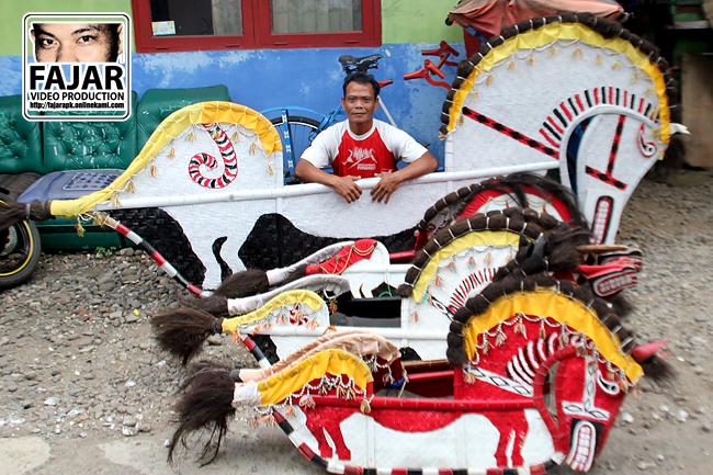 Aris Pengrajin Ebeg Banyumas Terbaik se-Indonesia - Totalitas terhadap Kebudayaan Banyumas ditunjukannya sejak