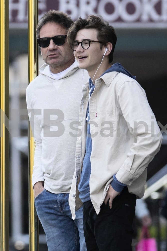 Duchovny Central : Photos: David Duchovny and son take a ...
