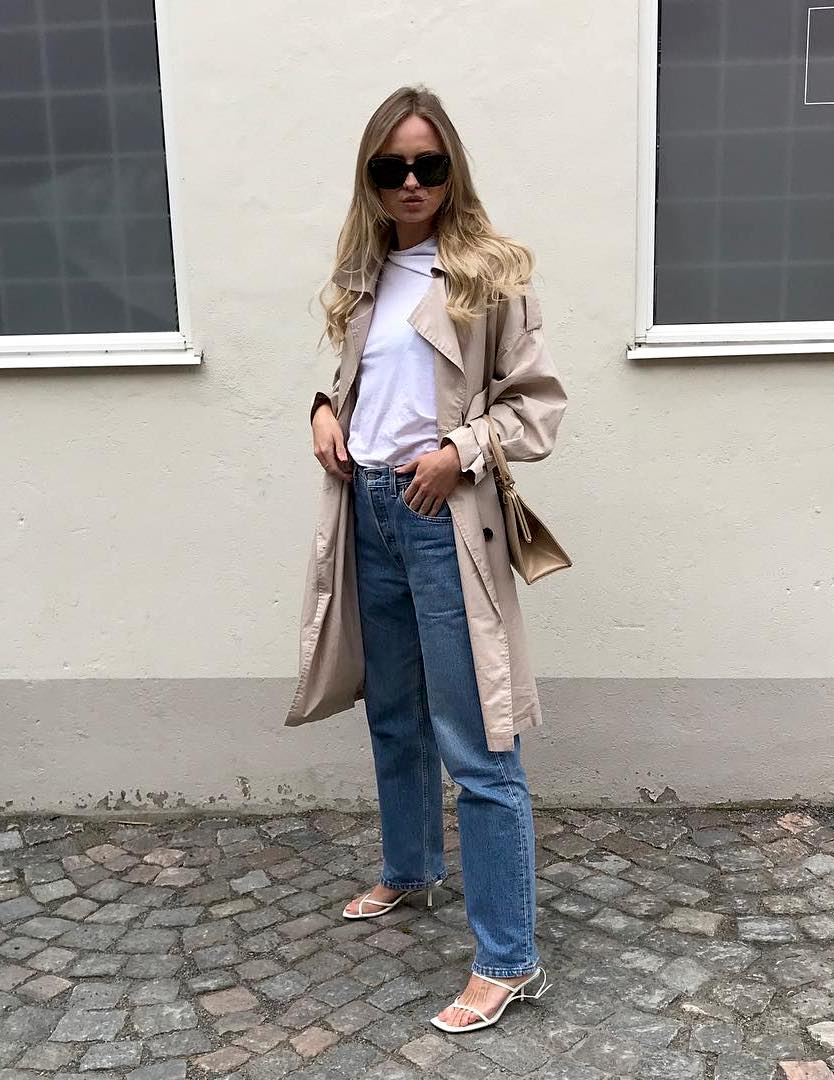 25 Incredibly Cool White Sandals to Buy Now — Spring outfit: trench coat, white t-shirt and jeans