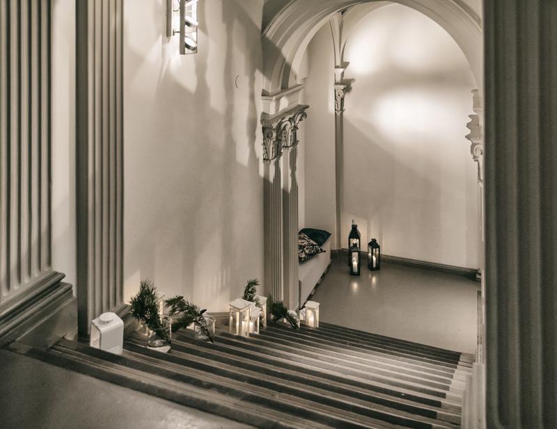 Ikea, joulu, Ikea Suomi, G18, juhlatila, joulukoristeet, natural, Christmas, luonnollinen, luonto, joulukoristeet, koristelu, Visualaddict, Frida Steiner, arkkitehtuuri, portaikko, lyhdyt, kynttilät