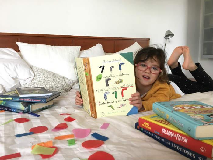 libros juveniles duomo Las increíbles aventuras de diez calcetines fugitivos