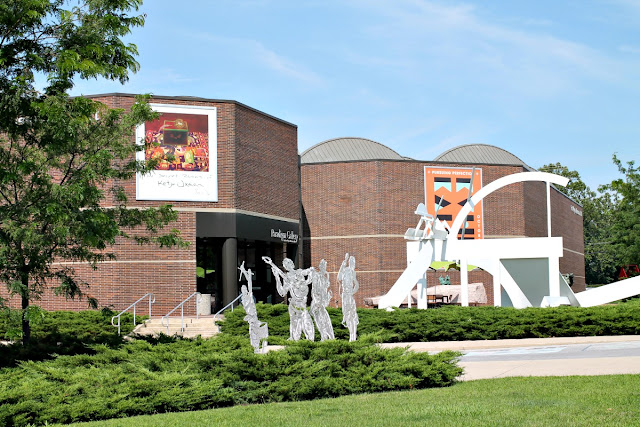 The Fort Wayne Museum of Art currently houses 9 exhibitions as well as 4 traveling exhibitions ranging from cut glass to architecture.