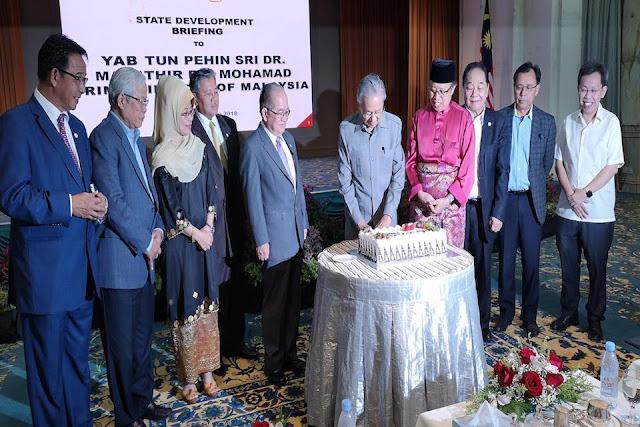 Tun Mahathir Kagum Dengan Pembangunan Dan Kepesatan Negeri Sarawak