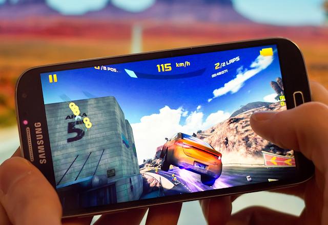 أفضل ألعاب سيارات السباق للهواتف الذكية