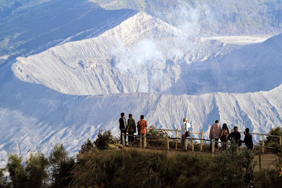 http://www.wisatabromo.my.id/2015/05/penanjakan-2-gunung-bromo.html