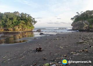 Photo Pantai Madasari 3