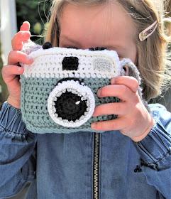 Studio Mojo, haken, crochet, Gratis patroon, Gehaakt, gehaakte camera, camera, soft toy, speelgoed,