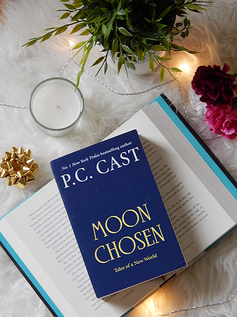 Moon Chosen No Spoiler Book Review | sprinkledpages