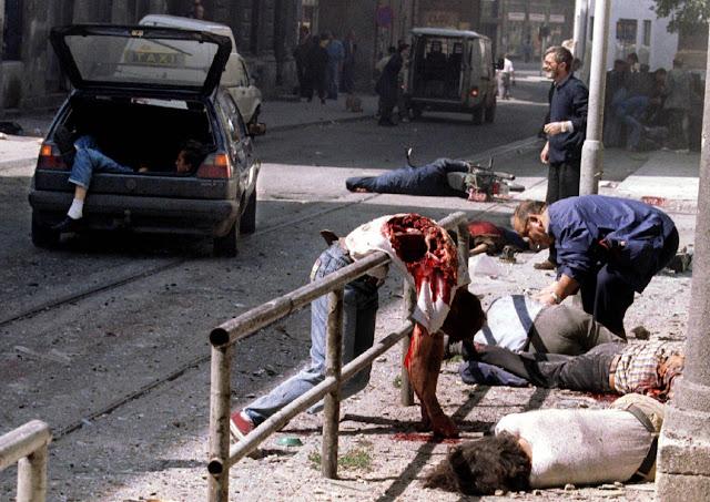 https://4.bp.blogspot.com/-8-3IUdgNBt0/Uh1HKRRNUYI/AAAAAAADpgQ/fAhep6IU7Lk/s640/sarajevo-markale-market-massacre-1995.jpeg