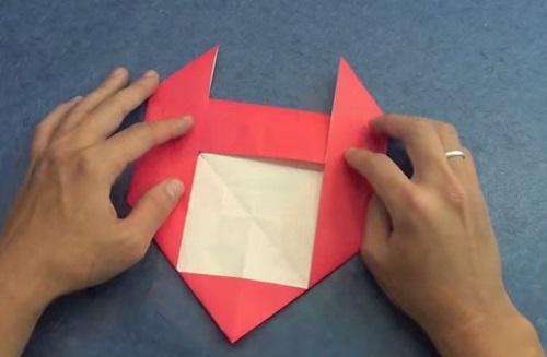 Cách gấp trái tim giấy với đôi cánh ác quỷ p3