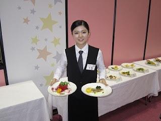 山本舞さんHRSサービスコンクール2013金賞