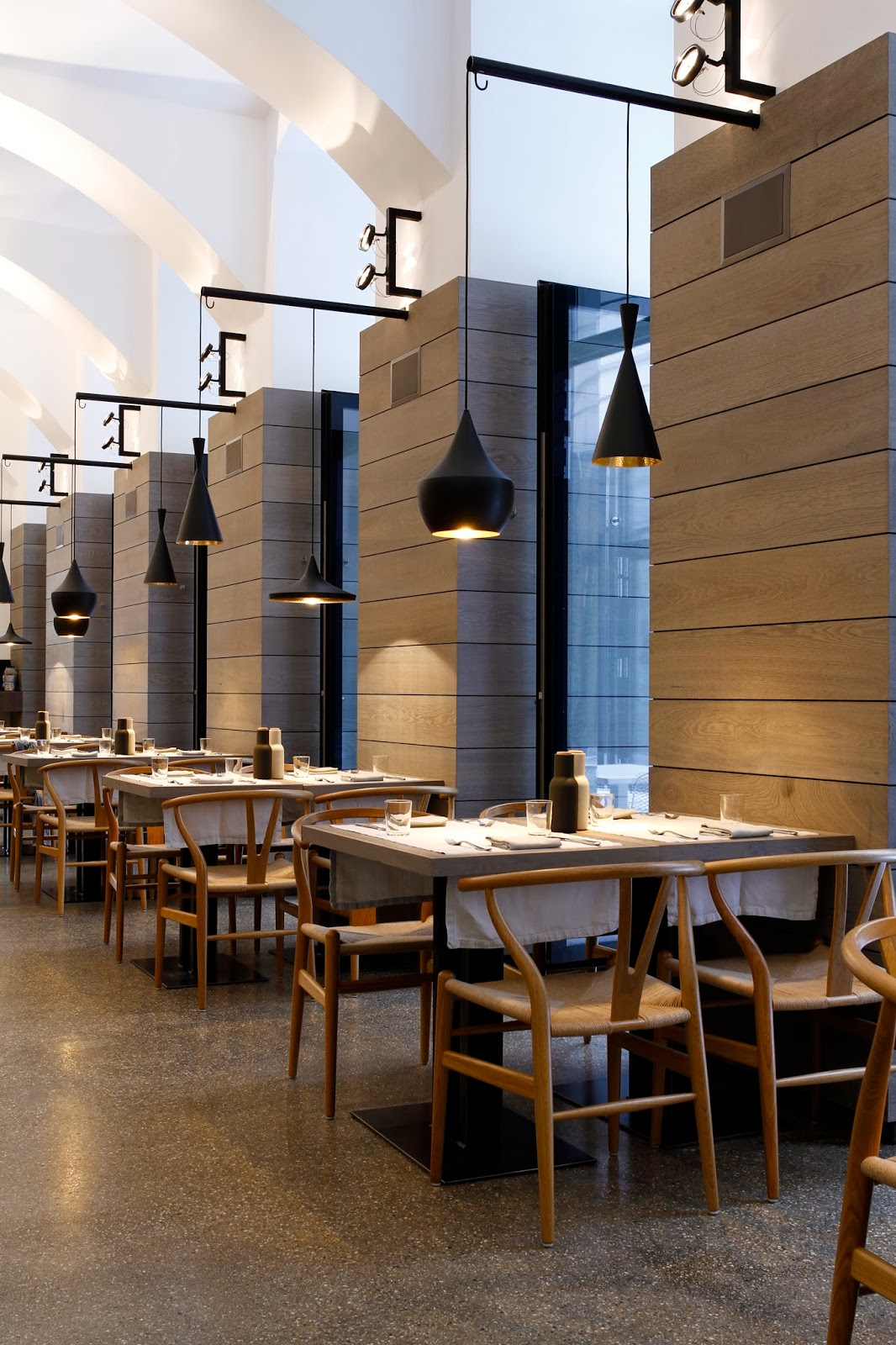 Rainer Wallmann: Commercial Interior Design / Restaurant