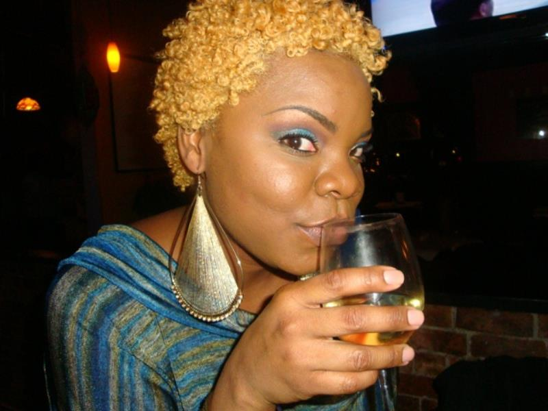 AriDeonne: 3 Ways To Rock Your Blonde Afro & Color Treated