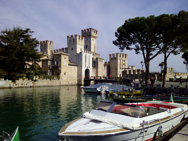 SIRMIONE WHERE TO STAY?
