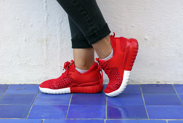 red-Mesh-Breathable-Athletic-Shoes