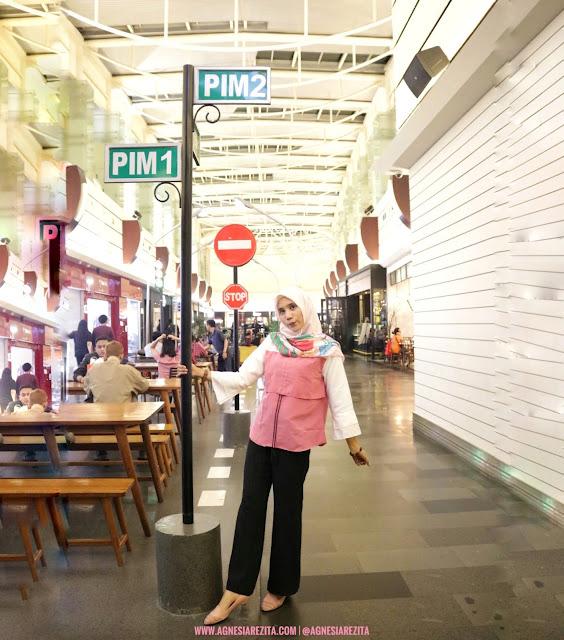 Rambu-rambu Lalu Lintas di Pondok Indah Mall Jakarta