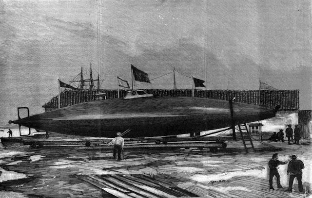 El Submarino < Peral >.