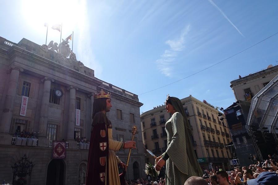 バルセロナ市の巨人(EL GEGANTS DE LA CIUTAT)