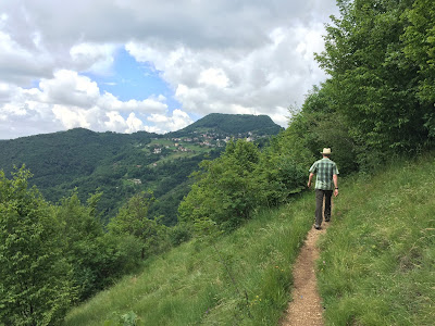 Heading toward Monte di Nese on trail 533