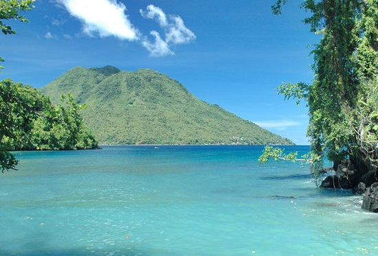 pantai sulamadhaha maluku utara | wonderful Indonesia