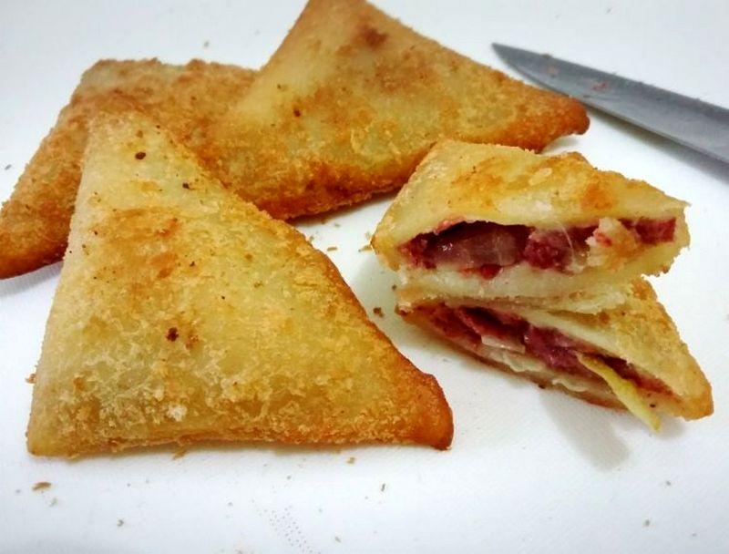 Roti Goreng Isi Kornet untuk bekal sekolah (tokopedia.com)