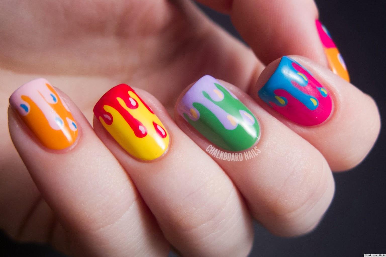 diseño de uñas muy colorido