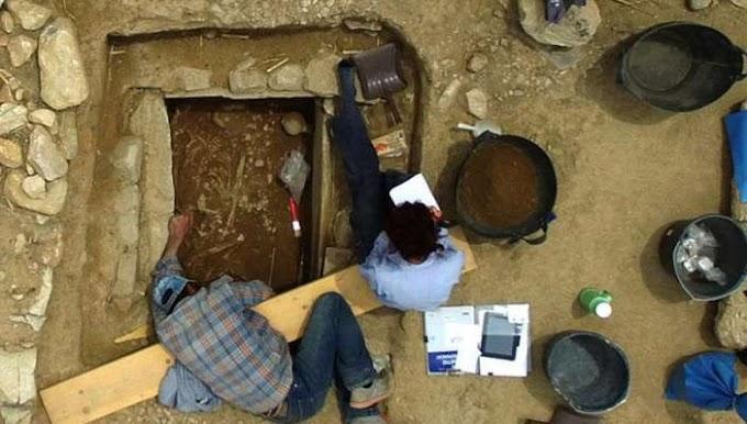 Ο τάφος Ήρωα  Έλληνα πολεμιστή των μυκηναϊκών χρόνων στον Μαραθώνα