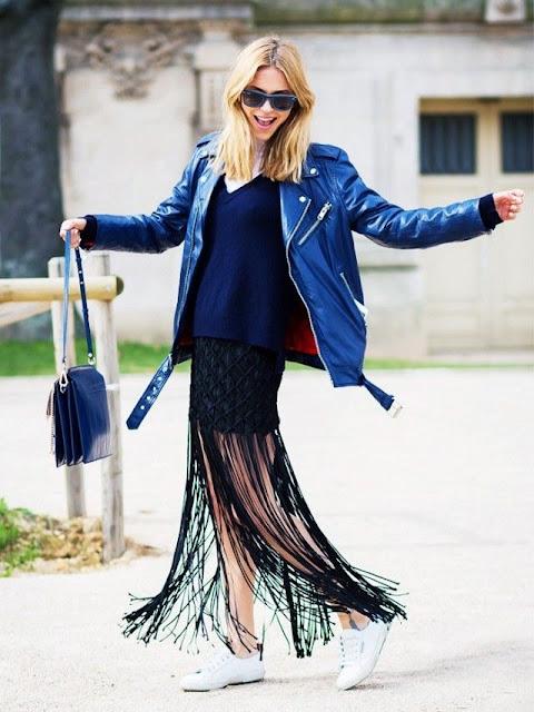 WHISPER blog: FRANJAS #franjas #look #modaderua #couro #passarela #desfile #estilo #fringes #outfit #streetstyle #catwalk #runway #style #blog #Chloébag #whitesneaker
