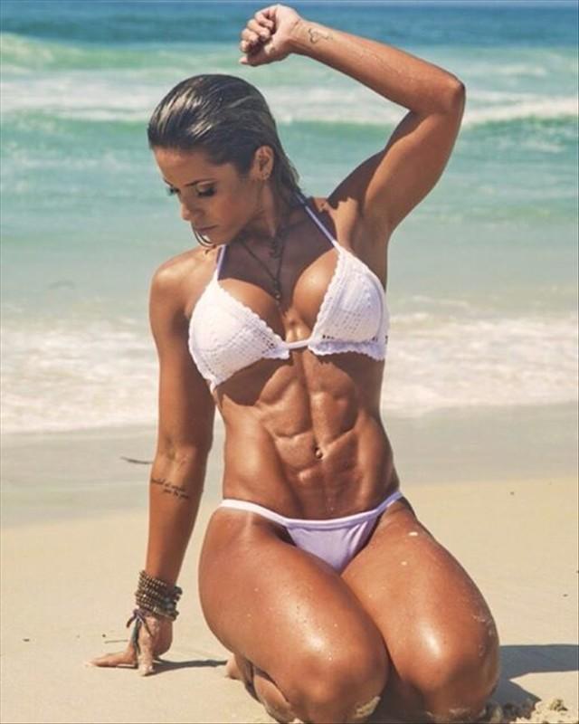 Fitness Model Sabrina Toledo