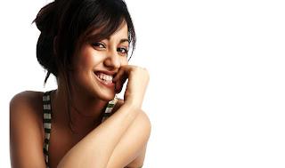Neha Sharma Cute Cool Smile wallpapers