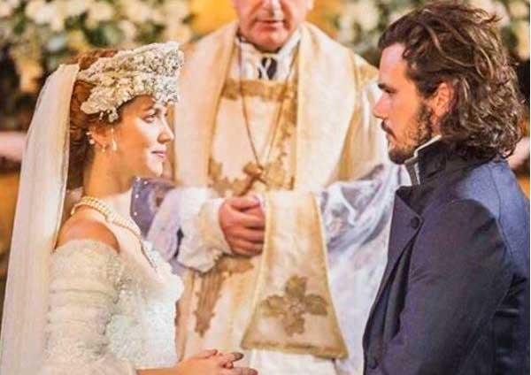 Vestido de noiva Branca (Nathalia Dill), figurino Liberdade Liberdade, cena novela