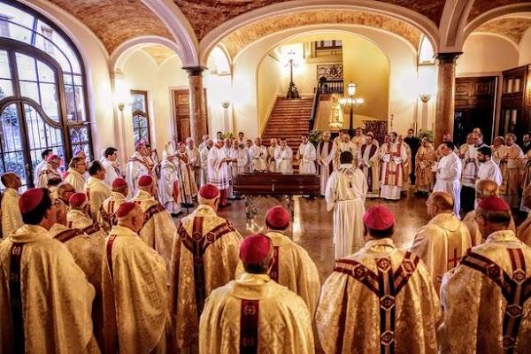 El Obispo de Jaén, en las exequias de Monseñor García Aracil en Valencia