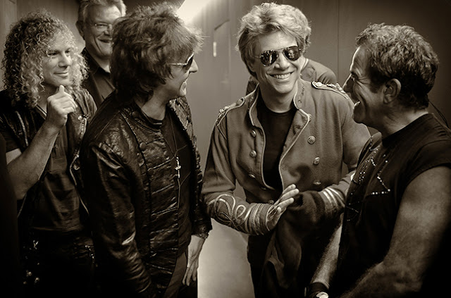 Lirik Lagu Livin' On A Prayer ~ Bon Jovi