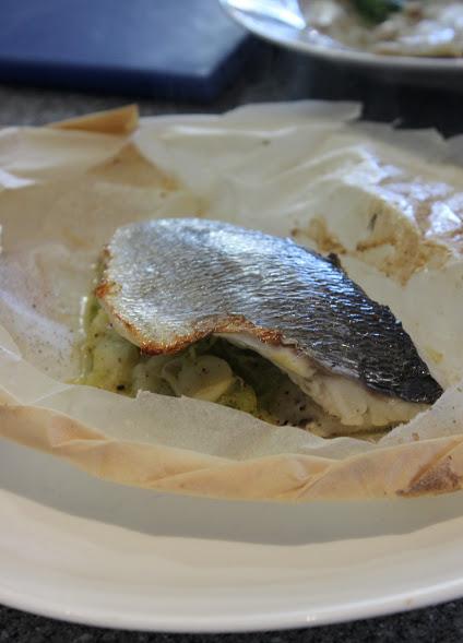 Baked fish en papilotte