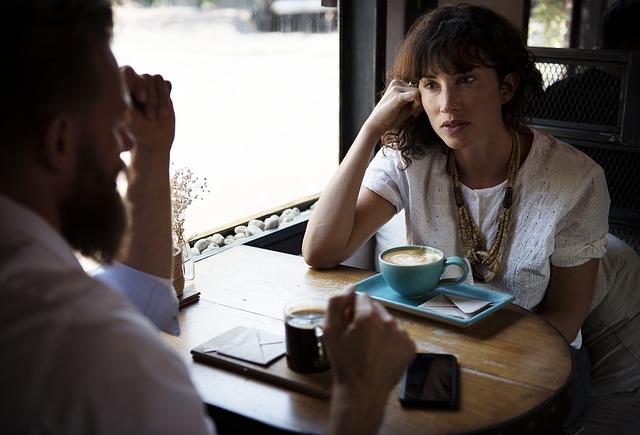 Bagaimana Istri Mengetahui Gaji Suami