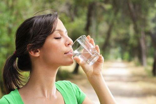 Cách uống nước thế nào là đúng cách và hiệu quả
