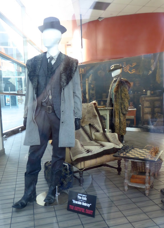 Hateful Eight Oswaldo Mowbry film costume