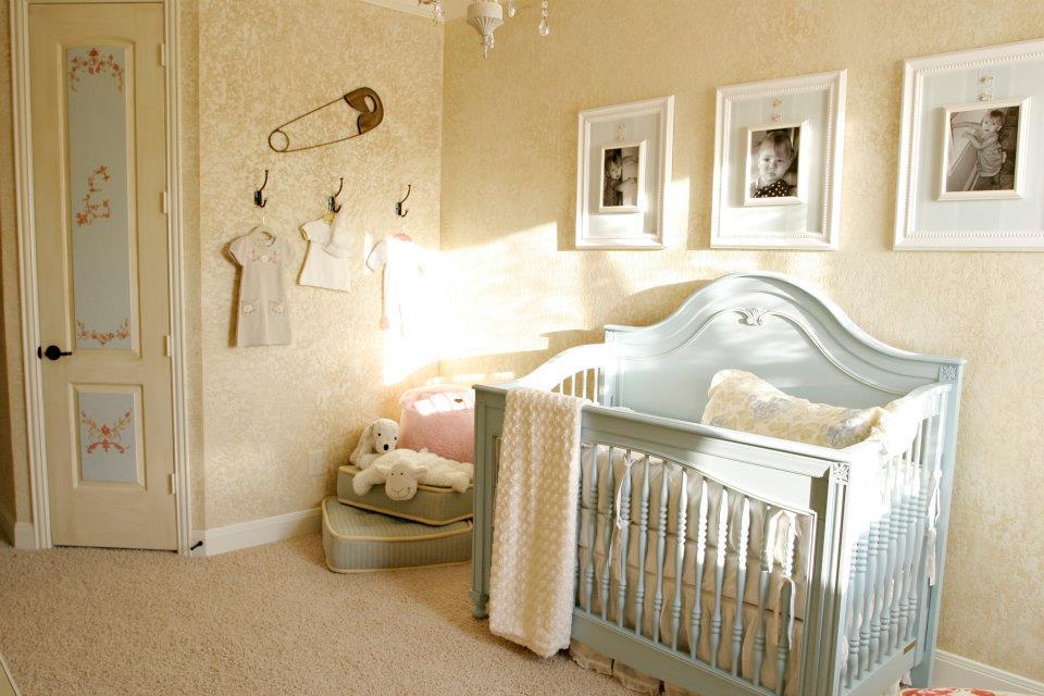 the ragged wren shabby chic nursery. Black Bedroom Furniture Sets. Home Design Ideas