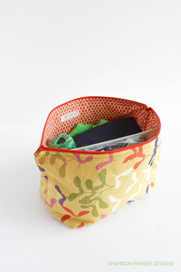 What's in my travel sewing bag | Shannon Fraser Designs