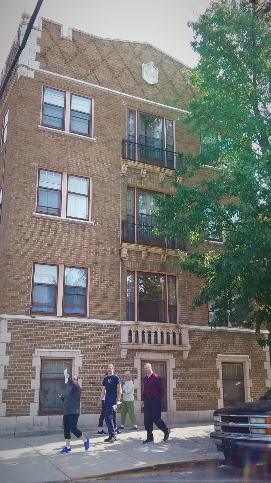 This Is Sheridan Court Apartments, Built In 1925 By The Famed Architect  Alvin M. Strauss. Someday I Will Show You The Pictures Of My Amazing Old  Apartment.