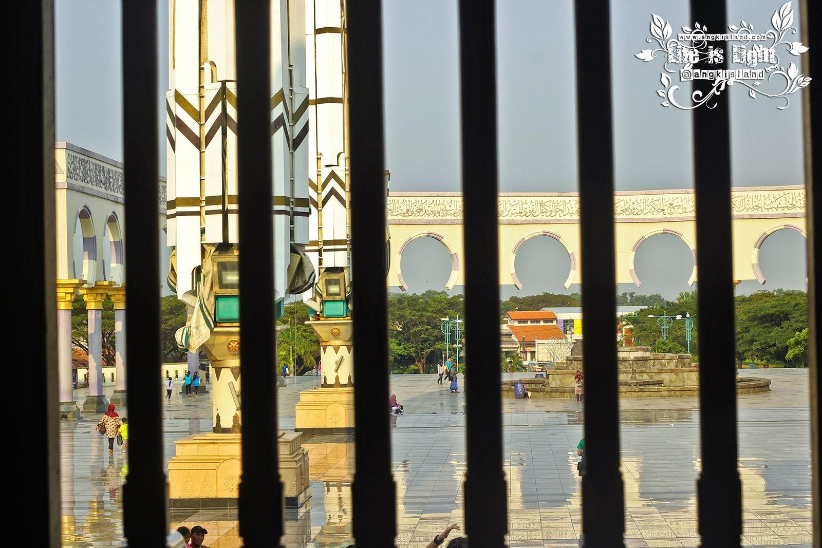 Jendela Masjid Agung Jawa Tengah