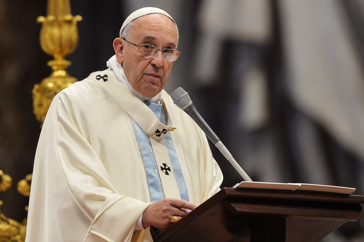 Pope Francis Reaffirms Support of Public Breast-Feeding