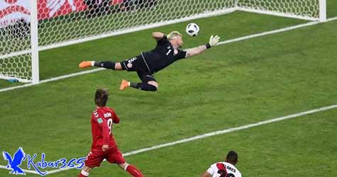 Kegemilangan Schmeichel Bawa Denmark Kalahkan Peru 1-0