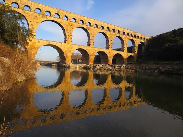 au pont du Gard (Roman Aqueduct in Southern France)